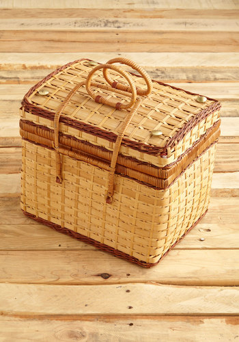 Vintage Packed for the Picnic Basket