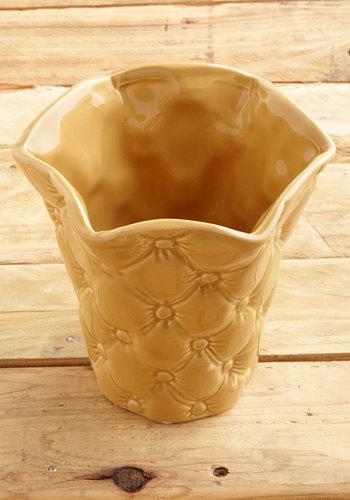 Vintage All-Daisy Celebration Vase