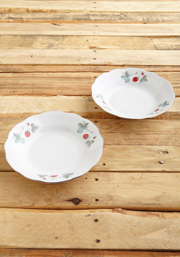 Vintage Folk Tune Fete Bowl Set