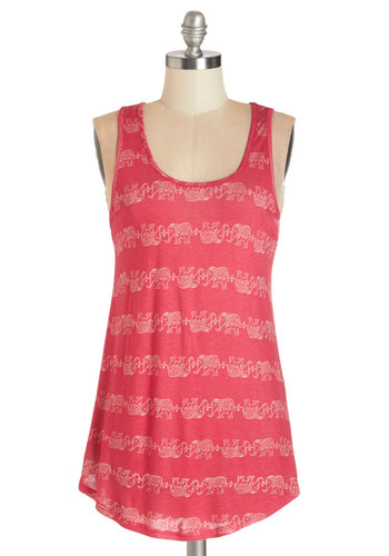 Treks and Balances Top - Mid-length, Jersey, Knit, Red, Print with Animals, Casual, Safari, Critters, Tank top (2 thick straps), Summer, Red, Sleeveless, Scoop, Good