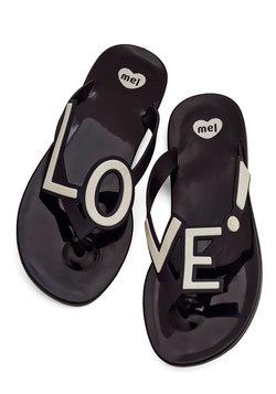 Stylish Expression Sandal