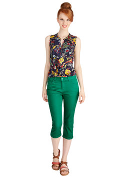 Right on Cue Pants in Kelly Green