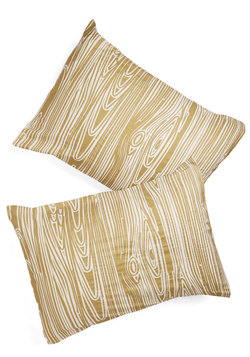 Go With the Grain Pillowcase Set
