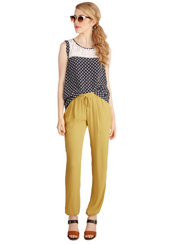 Extra Exuberance Pants - Tapered Leg, Good, High Rise, Yellow, Non-Denim, Woven, Yellow, Solid, Pockets, Work, Casual, 90s, Ankle, Vintage Inspired