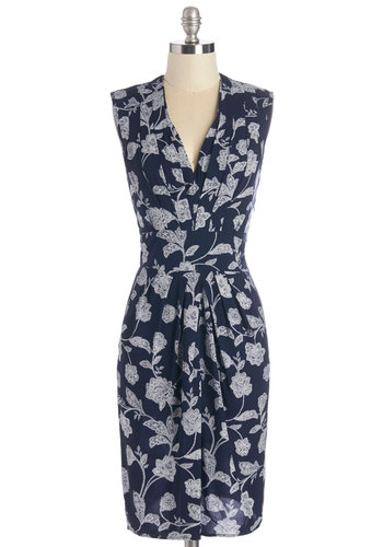Art Gallery Gal Dress - Blue, White, Floral, Pleats, Work, Shift, Sleeveless, Woven, Good, V Neck, Pockets, Daytime Party, Mid-length