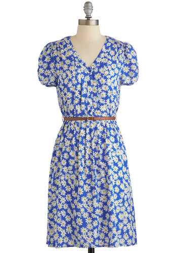 Take to the Wind Dress in Daisies - White, Floral, Buttons, Belted, Casual, Vintage Inspired, 90s, A-line, Short Sleeves, Woven, Good, Variation, V Neck, Blue, 40s, Exclusives