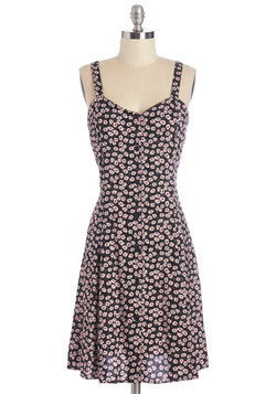 Nights and Daisies Dress in Pink