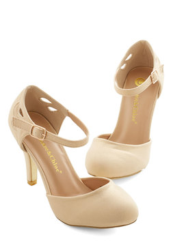 Dreamy Downtown Heel