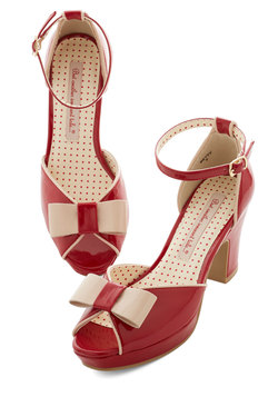 Bowed and Boating Heel in Rouge