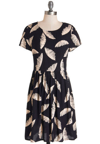 Palm Sings Dress - Black, Tan / Cream, Novelty Print, Casual, A-line, Short Sleeves, Woven, Good, Scoop, Mid-length, Exposed zipper