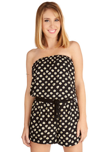 A Daisy to Remember Romper - Long, Woven, Black, Yellow, White, Floral, Pockets, Casual, Beach/Resort, Vintage Inspired, 90s, Strapless, Summer