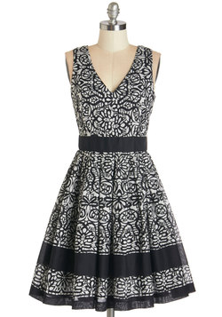 Swirl-Go-Round Dress in Black
