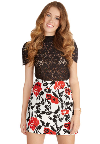 Belle of the Bistro Skirt - Spring, Summer, Good, White, Short, Woven, Mini, Multi, Red, Black, White, Floral, Exposed zipper, Party