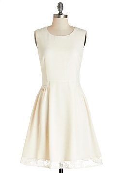 Maraschino Cheery Dress in Cream