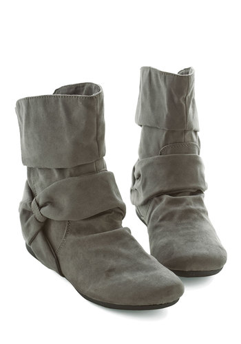 Agent Ninety-Fine Boot in Grey - Flat, Grey, Solid, Casual, Good, Variation