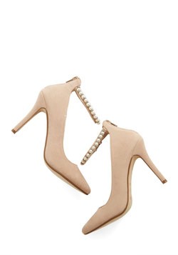 Accessorize to Fame Heel