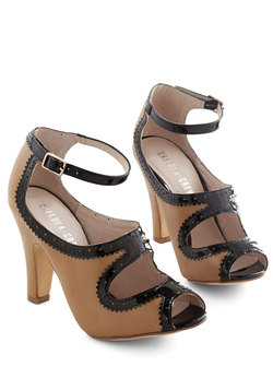 Sass Up Your Strut Heel in Caramel