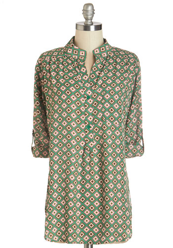 Where It's Mat Top in Diamonds - Woven, Green, Multi, Print, Buttons, Pockets, Casual, 3/4 Sleeve, Green, Tab Sleeve