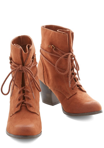 You Winsome, You Enthuse Some Bootie in Cognac - Mid, Tan, Solid, Urban, Good, Lace Up, Chunky heel, Safari, Variation