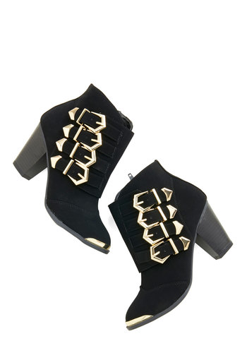 Buckle Up, Chum! Bootie in Noir - Mid, Black, Solid, Buckles, Statement, Urban, Good, Chunky heel, Gold, Variation, Top Rated