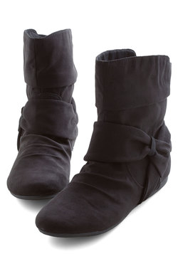 Agent Ninety-Fine Boot in Black