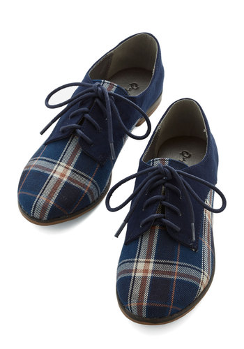 Stepping to the Beat Flat in Plaid - Flat, Woven, Blue, Plaid, Menswear Inspired, Vintage Inspired, 20s, Good, Lace Up, Casual, Scholastic/Collegiate, Variation