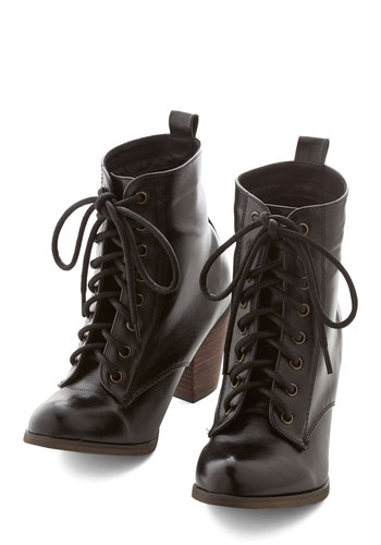 Step it Upright Bootie in Licorice by Chelsea Crew - Mid, Black, Solid, Casual, Menswear Inspired, Better, Lace Up, Variation
