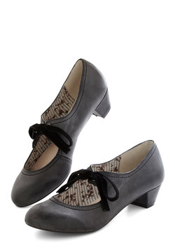 Stacks or Fiction Heel in Charcoal