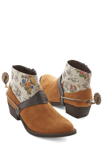 Spurs of the Moment Bootie - Tan, Tan / Cream, Multi, Solid, Print, Menswear Inspired, Statement, Best, Casual, Rustic, Low, Woven