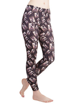 Fresh Take Leggings in Bulldog
