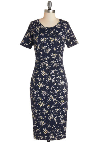 New 1940s Style Wiggle Dresses Are Now In