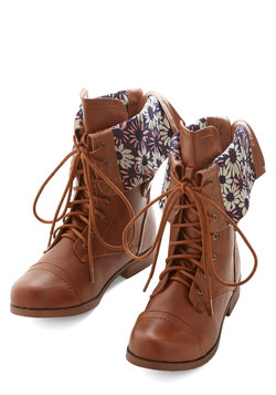 Travel Enthusiast Boot