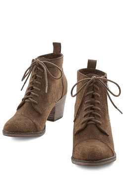 Press Playlist Bootie in Brown