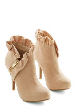 You Haute to Know Heel in Peach