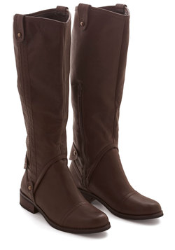 Meadowside Meander Boot in Brown