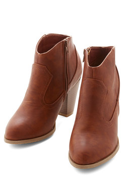 Dressed Foot Forward Bootie