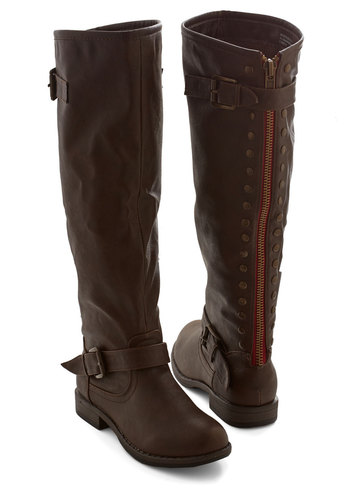Casual Dress Code Boot in Brown
