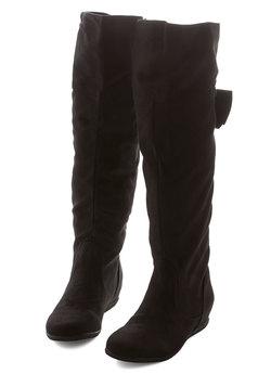 Expanding Horizons Boot in Black
