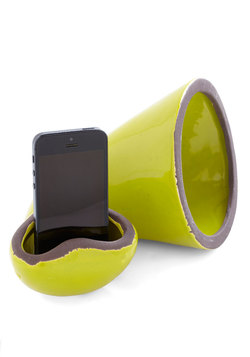 Hold the Phonograph Cell Phone Speaker