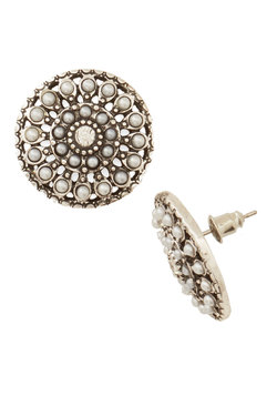 A Glam Entrance Earrings