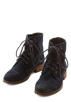 Bolder and Boulder Boot