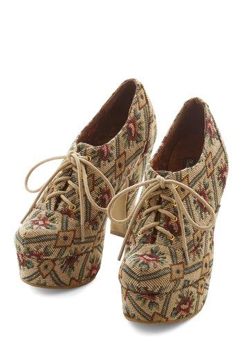 Classy Cachet Heel in Tapestry