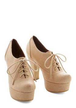 Classy Cachet Heel in Beige