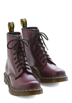 Playing Air Guitar Boot in Plum