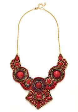 Medallion Marvel Necklace in Crimson