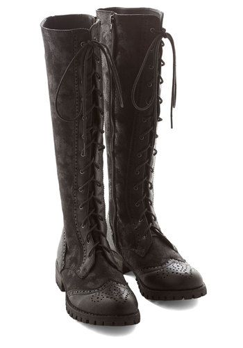 Stylish Amalgam Boot in Black