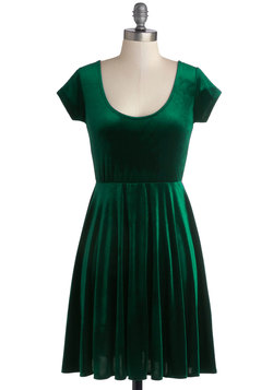 Vivacious in Velvet Dress in Emerald