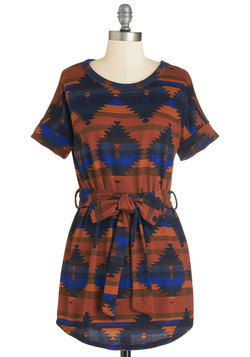 It's the Art Walk Life for Us Tunic in Rust