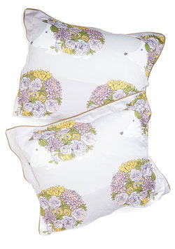 On the Hedge of Snoring Pillow Sham Set