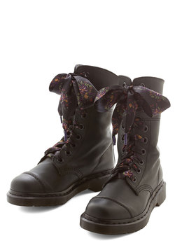 The Plot Thickets Boot